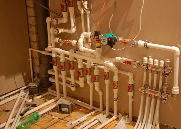 Как работает лучевая схема системы отопления двухэтажного дома 4