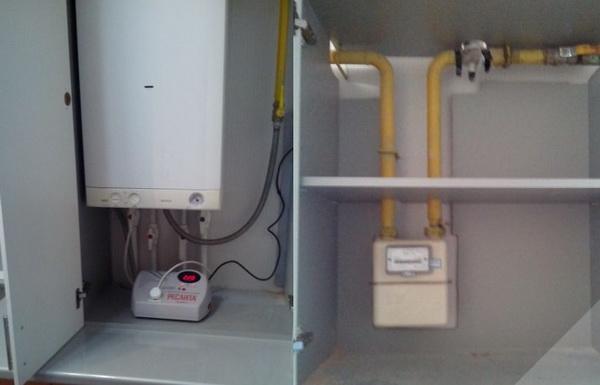 Как можно спрятать газовый котел на кухне – фото и варианты 5